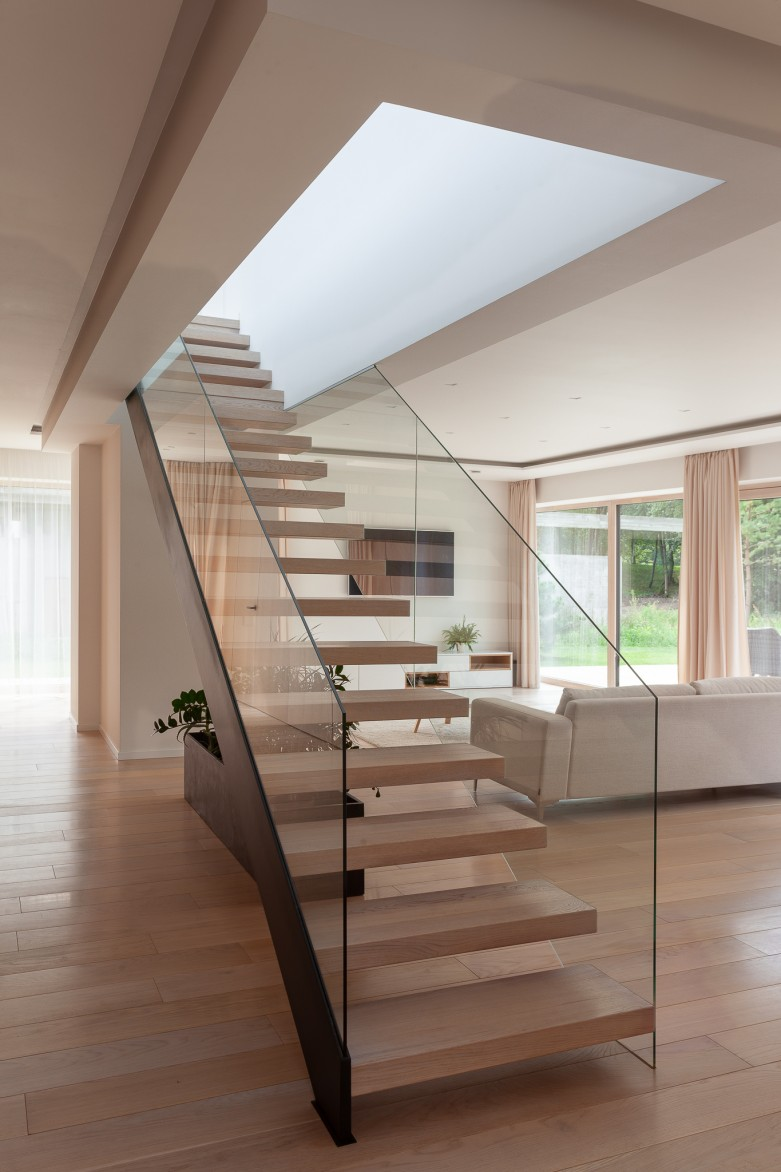 VALLEY HOUSE INTERIOR PROJECT - the stairs project