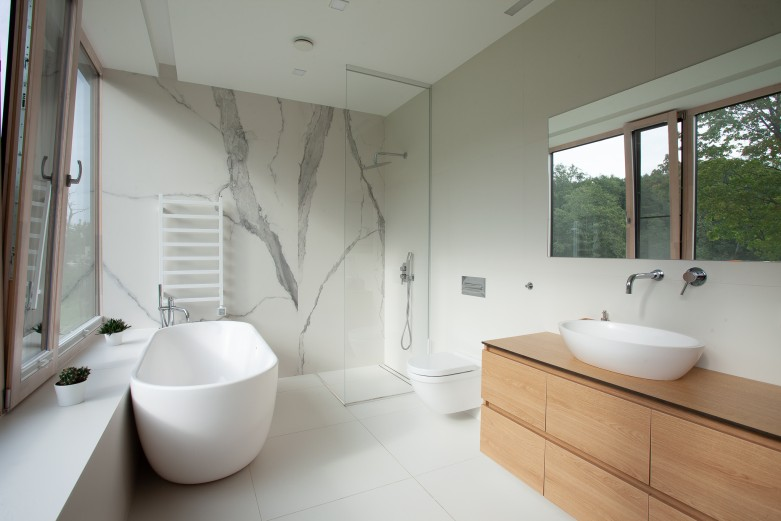 VALLEY HOUSE INTERIOR PROJECT - the master bathroom